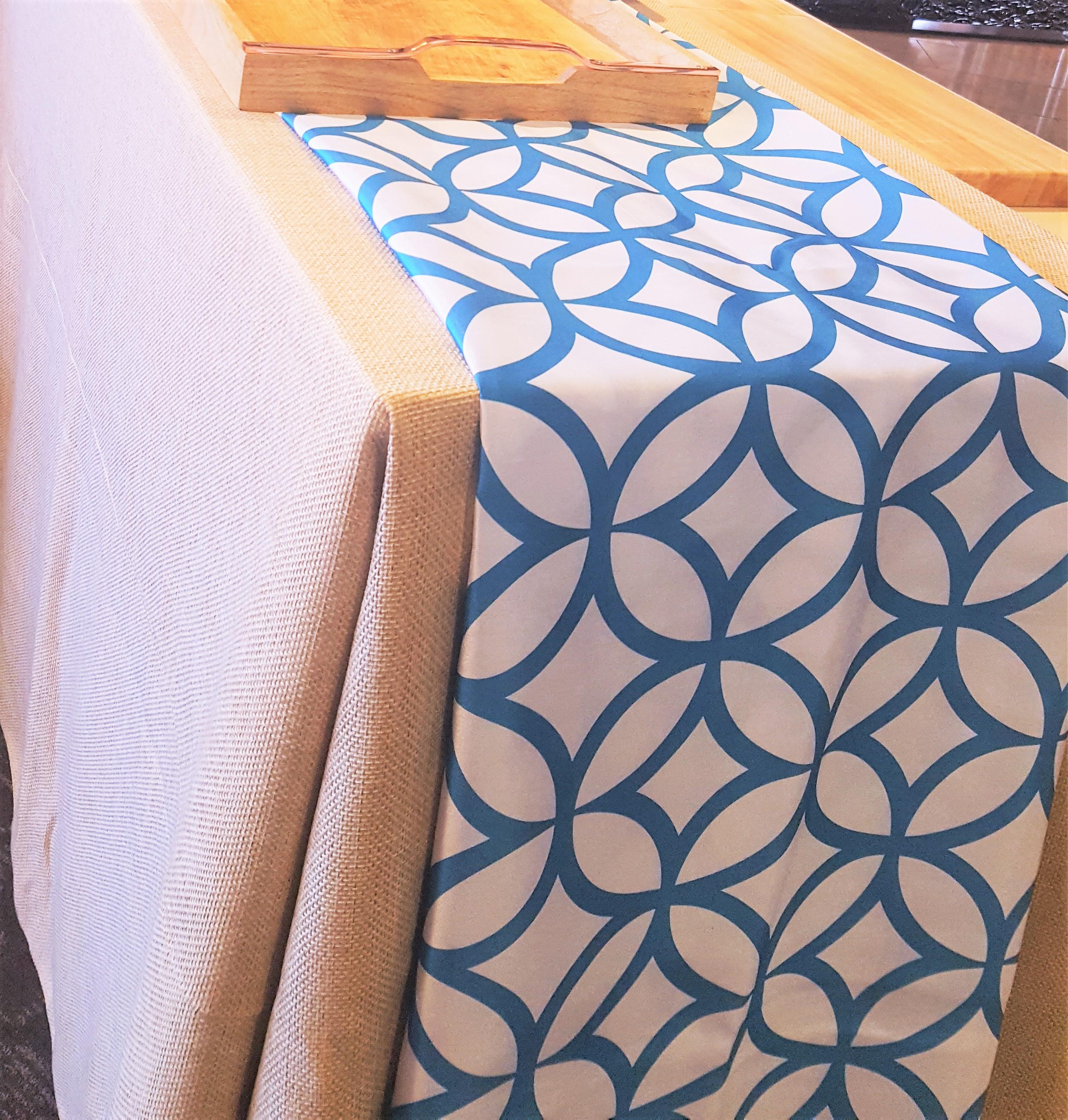 Table w blue linen.02